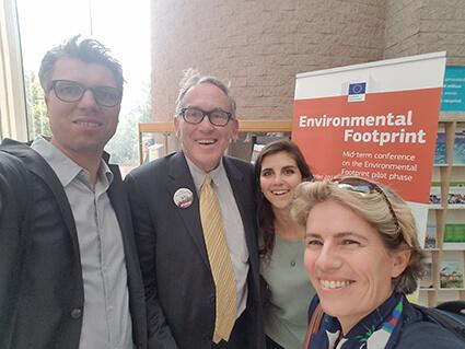 Florian Schulze, Charlie Brown (Präsident der World Alliance for Mercury Free Dentistry), Anita Wilcox und Elena Lymberidi vom Europäischen Umweltbüro EEB